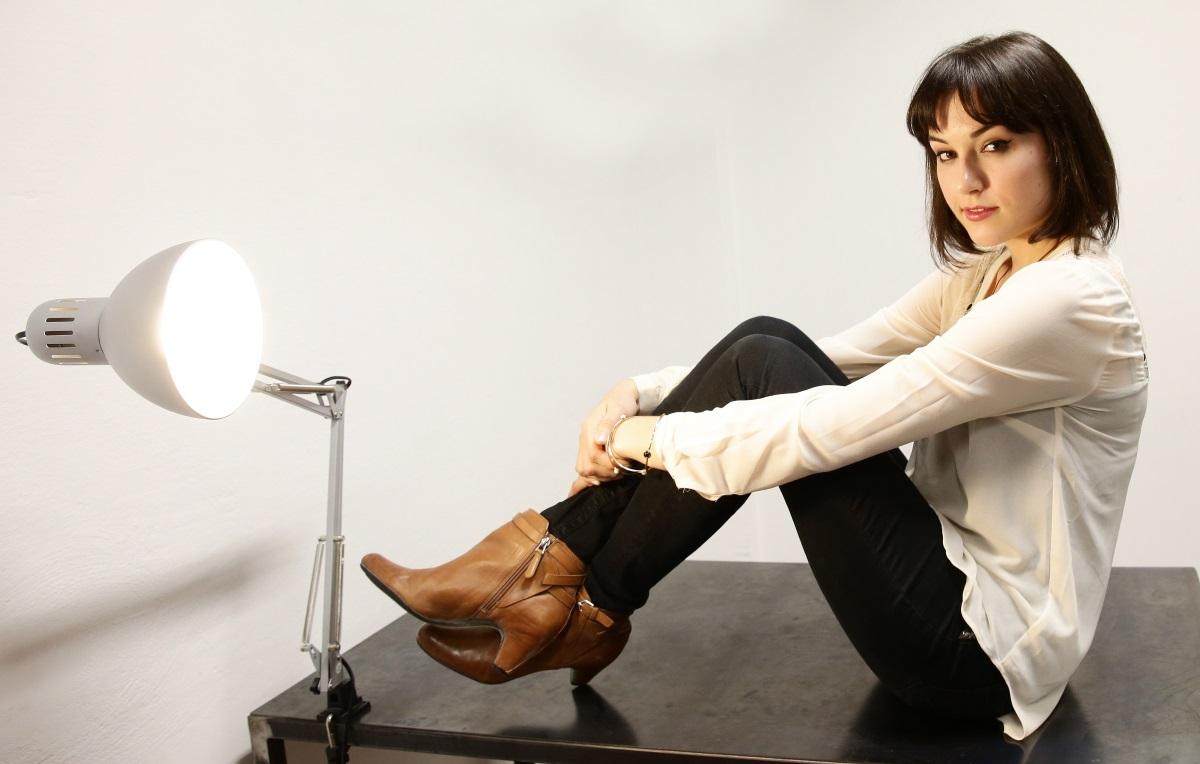 Саша Грей се оттегли от порното, за да направи актьорска кариера. Междувременно тя засне документален филм, издаде книга и стана редактор за известно списание.