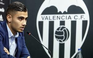 Играч на Валенсия кара своето Бентли със 148 км/ч в града