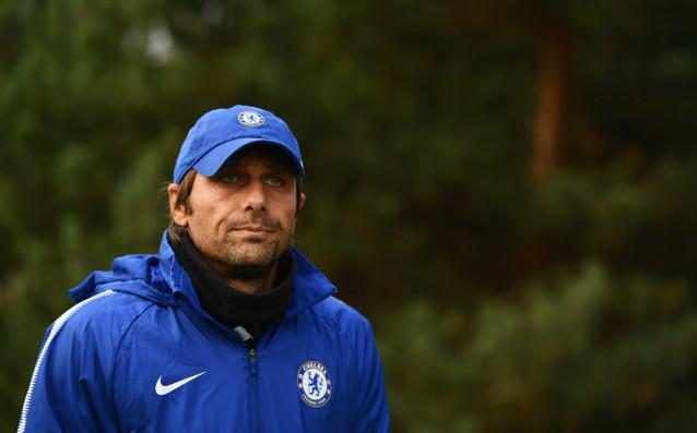 Мениджърът на Челси Антонио Конте настоява за привличането на нов