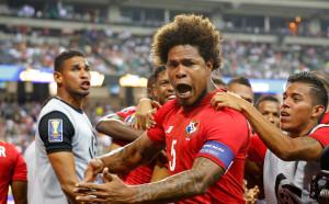 Героят за Панама получава стадион на свое име