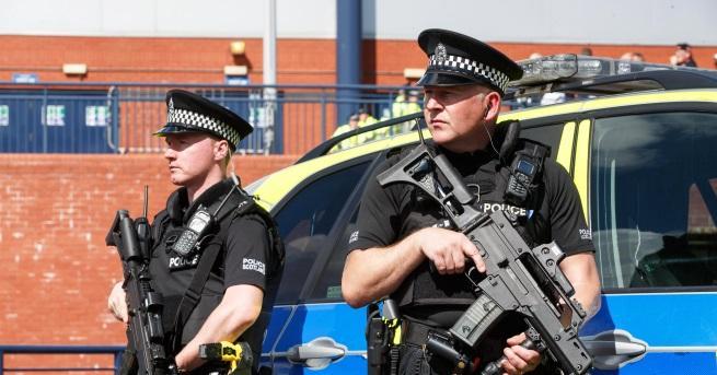 Свят Нападателят от Лондон е осъден терорист Мъжът намушка с