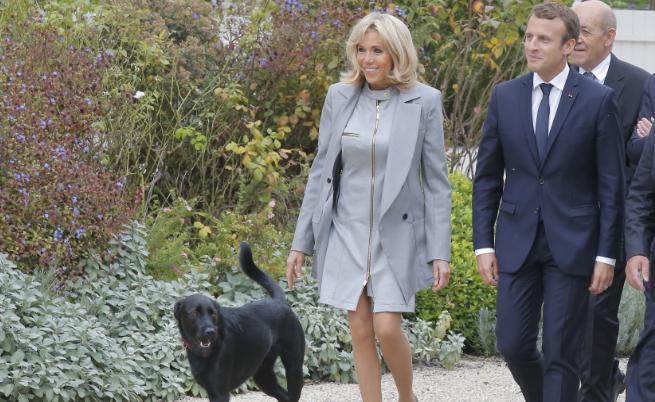 Еманюел с Брижит Макрон и кучето Немо