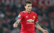 Уулвърхемптън спасява Манчестър Юнайтед от защитник