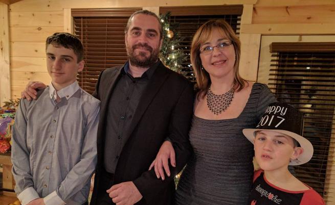 Лиана Апостолова и семейството ѝ