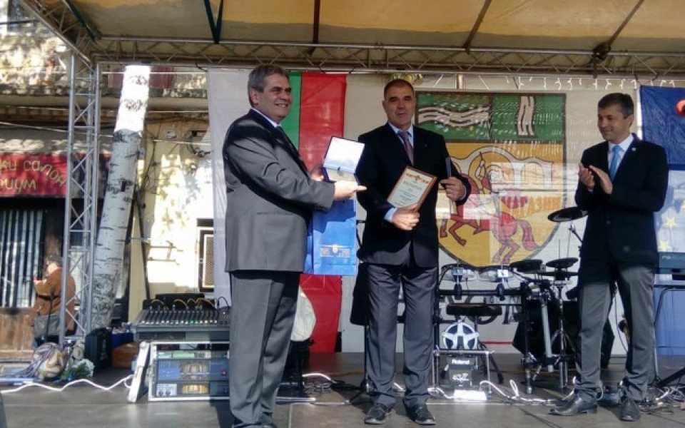 Треньорът Сашо Борисов стана почетен гражданин на Радомир