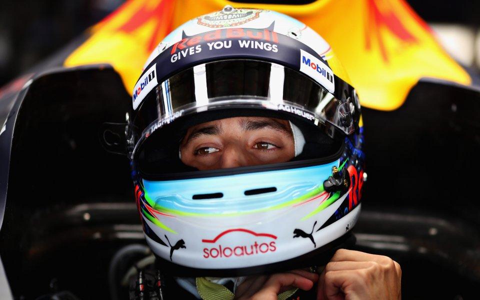 Рикардо с впечатляваща нова каска за Гран При на Мексико