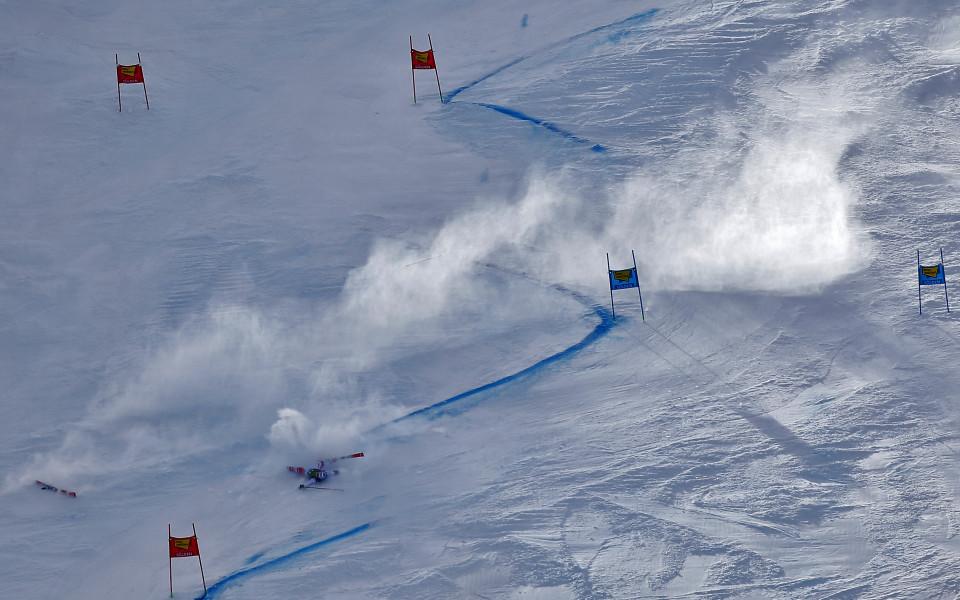 Състезанието в Зьолден в ските отменено заради силни ветрове