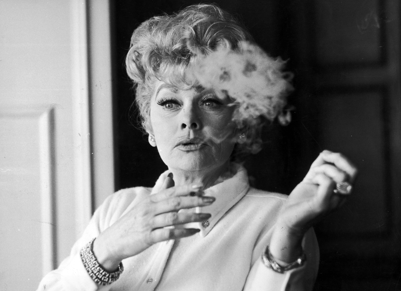 Комедийната актриса Люсил Бол в началото на своите 50 през 60-те години