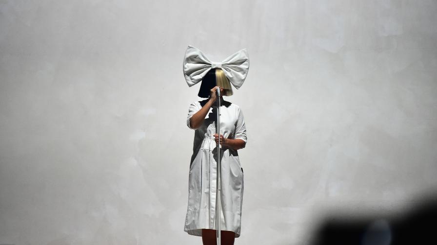 Певицата Сиа с шокиращо признание за секса