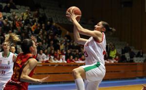 Баскетболистките с ново тежко поражение от Испания