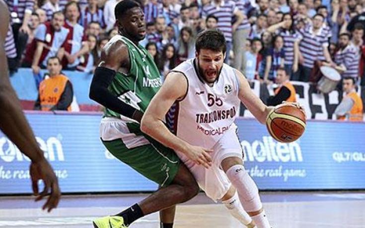 Калоян Иванов със силни изяви в Турция