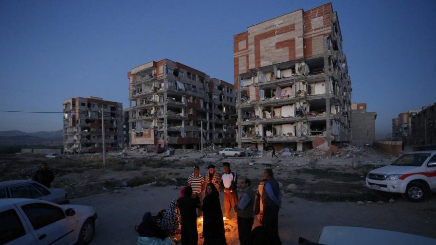 Земетресение с магнитуд 7,3 причини стотици човешки жертви и сериозни щети в Ирак и Иран.