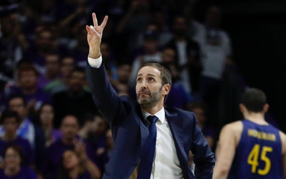 Треньорът на Барса: Кофти ми e за Везенков, той решава за България