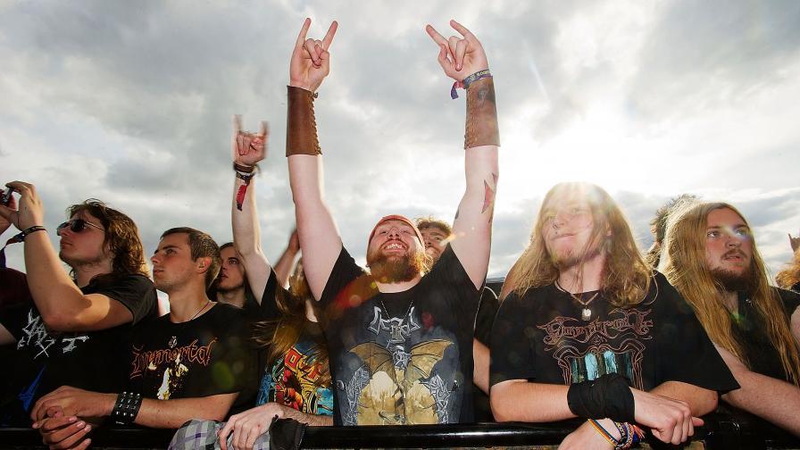 Фенове на фестивала Bloodstock 2011.