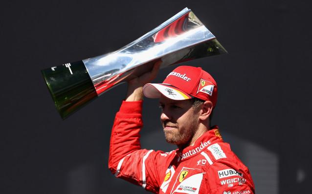 Пилотът на Ферари Себастиан Фетел заяви, че неговият тим заслужава