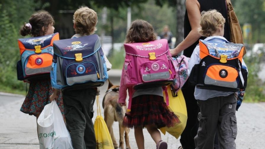 Страните-членки на ООН се задължават да пазят правата на децата