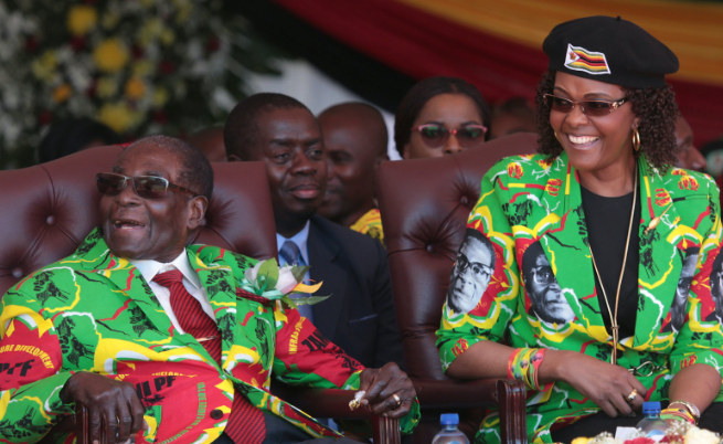 Робърт Мугабе и съпругата му Грейс (юни 2017 г.)