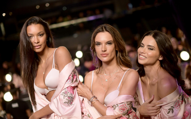 Секси ангелите на Victoria's Secret взривиха Шанхай