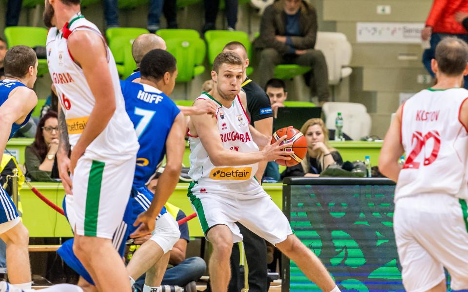 Любо Минчев избра 13 за квалификациите, Везенков в групата