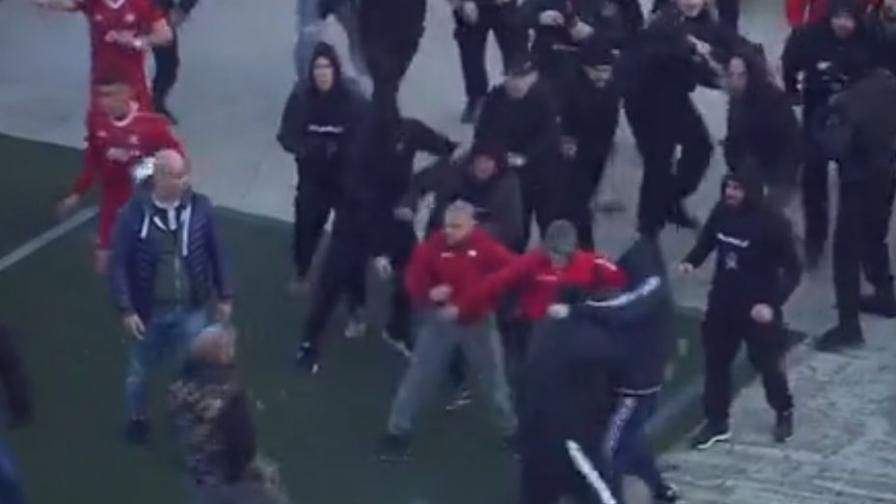 Боят между феновете на ЦСКА-София и Локомотив Пловдив