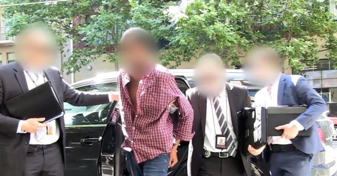 Двайсетгодишен мъж бе арестуван в околностите на австралийския град Мелбърн