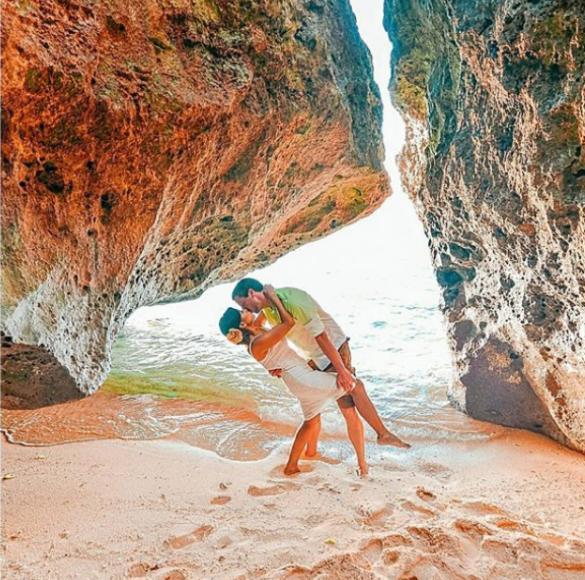 - Роб и Джоли на остров Боракай във Филипините