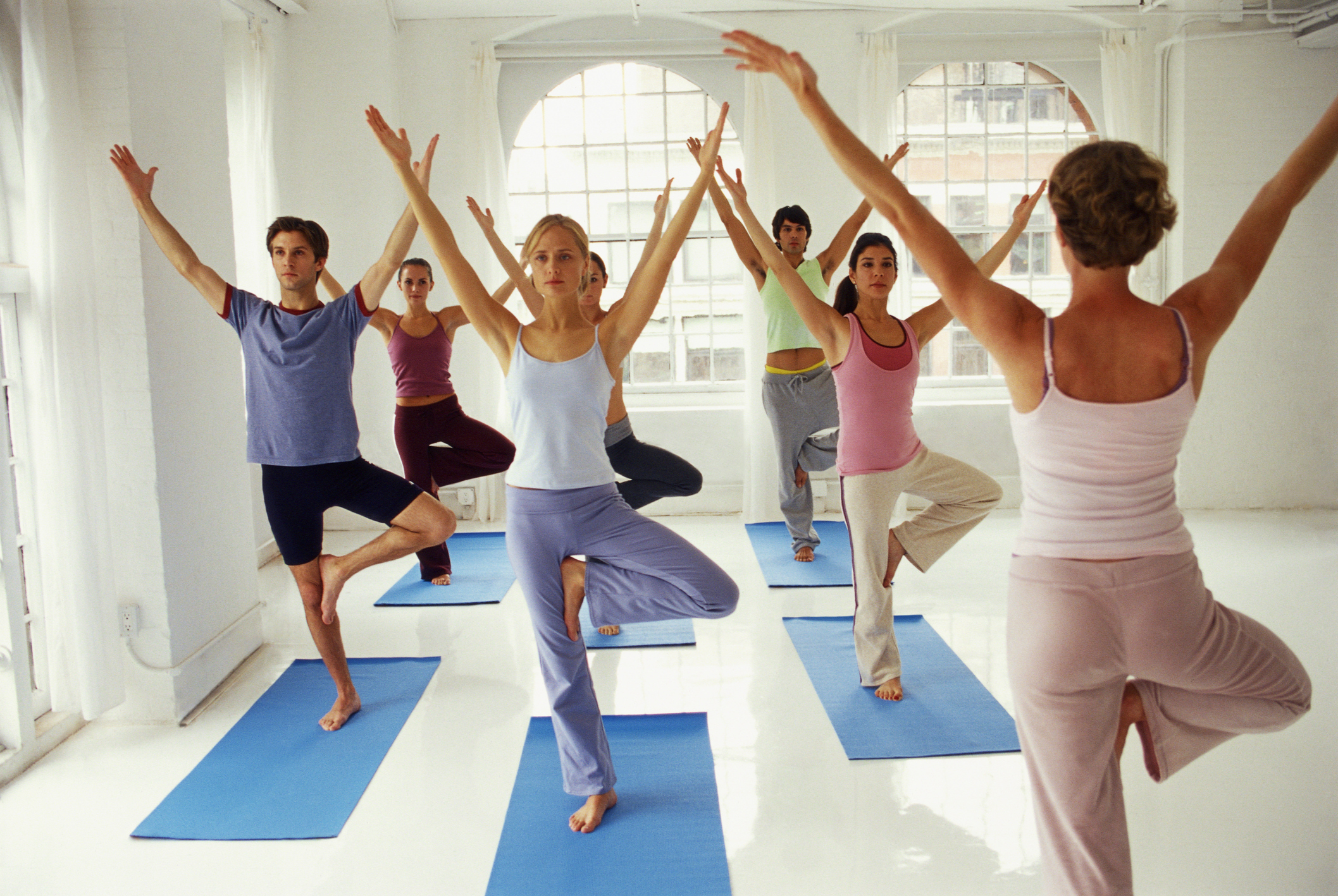 Хатха йога: 183 ккал/ч   228 ккал/ч Пауър йога: 292 ккал/ч   364 ккал/ч