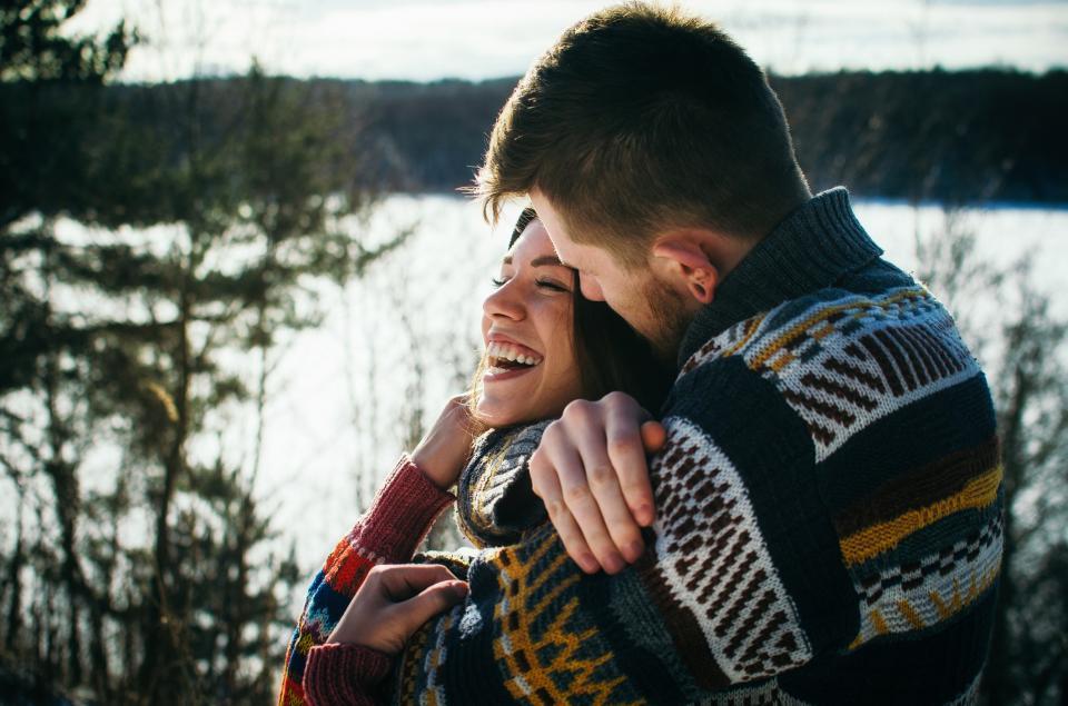 любов двойка зима коледа