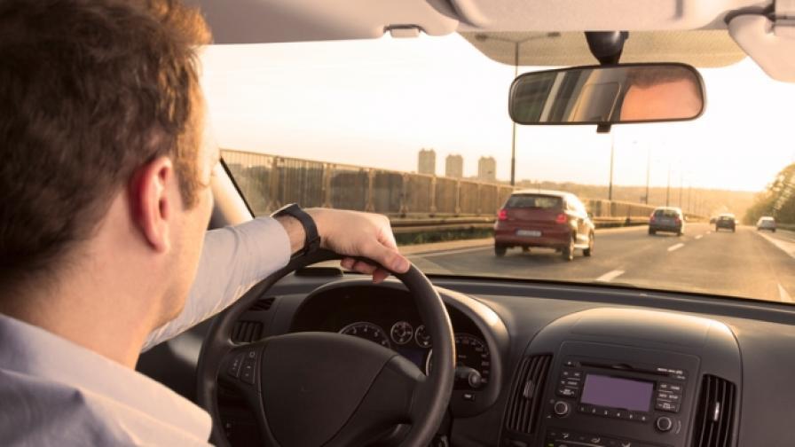 Българинът харчи повече  за колата си, отколкото за  дома