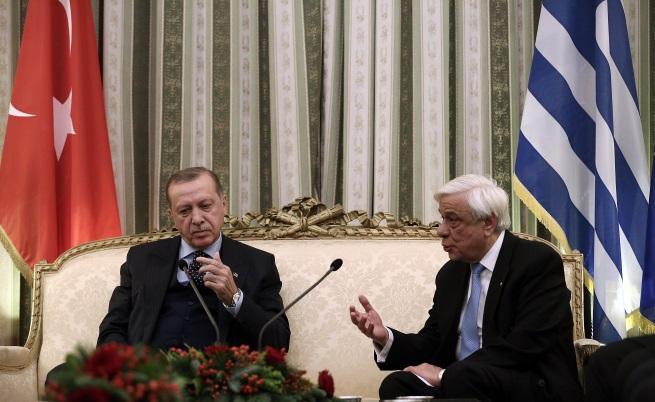 Историческата визита на Ердоган в Гърция започна с напрежение