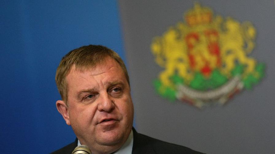 """Каракачанов иска България """"да удари по масата"""" на ЕС"""