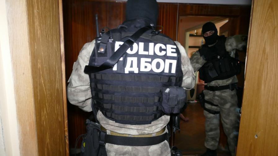 """Спипаха """"търговци"""" с кокаин за 93 000 евро"""
