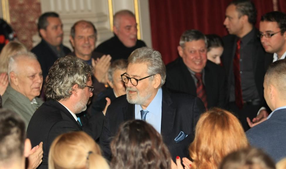 - Стефан Данаилов, най-популярният и обичан актьор в България - с над 150 роли в киното, театъра и телевизията, празнува своя 75-и рожден ден снощи в...