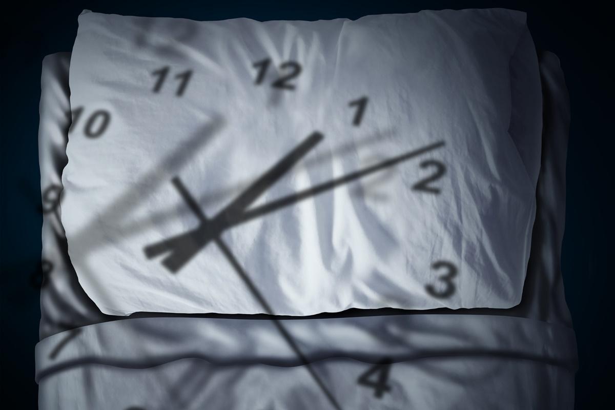 Създайте си добър режим на съня и не го нарушавайте редовно. Разбира се, понякога се налага да го нарушим, но е добре в ежедневието си да лягаме и да ставаме по едно и също време.<br /> Така биологичният ни часовник се настройва правилно и всички процеси в организма ни започват да работят оптимално.