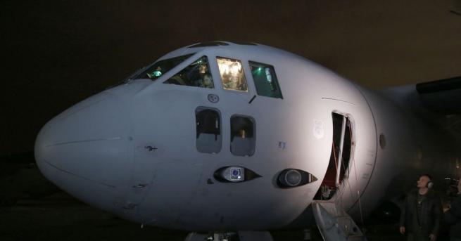 """Военната полиция и прокуратура разследват инцидента със самолет """"Спартан"""", който"""