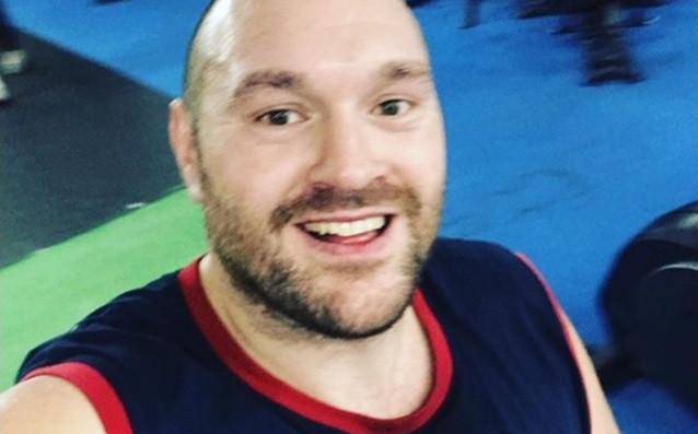 Бившият световен шампион в тежка категория Тайсън Фюри (25-0, 18