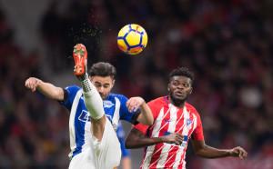 Атлетико Мадрид задмина Валенсия и преследва Барселона