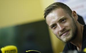 Яблонски: Няма трансфер, горд съм да играя за Левски