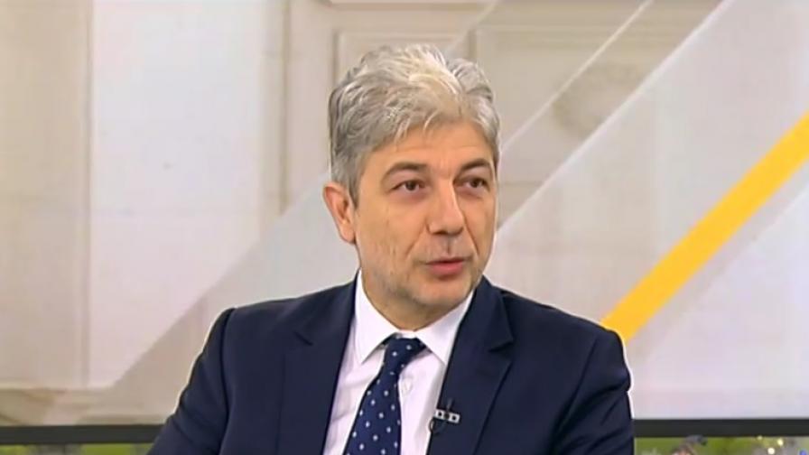 Министър Димов отхвърли опасенията за хотели в Пирин