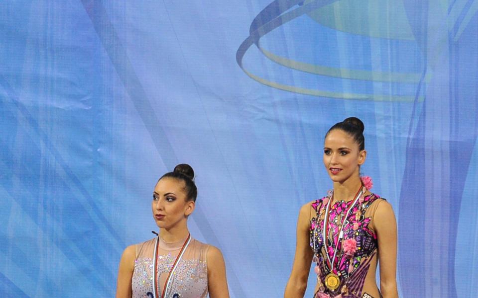 Тасева и Владинова се класираха за финалите на обръч и топка в Пезаро