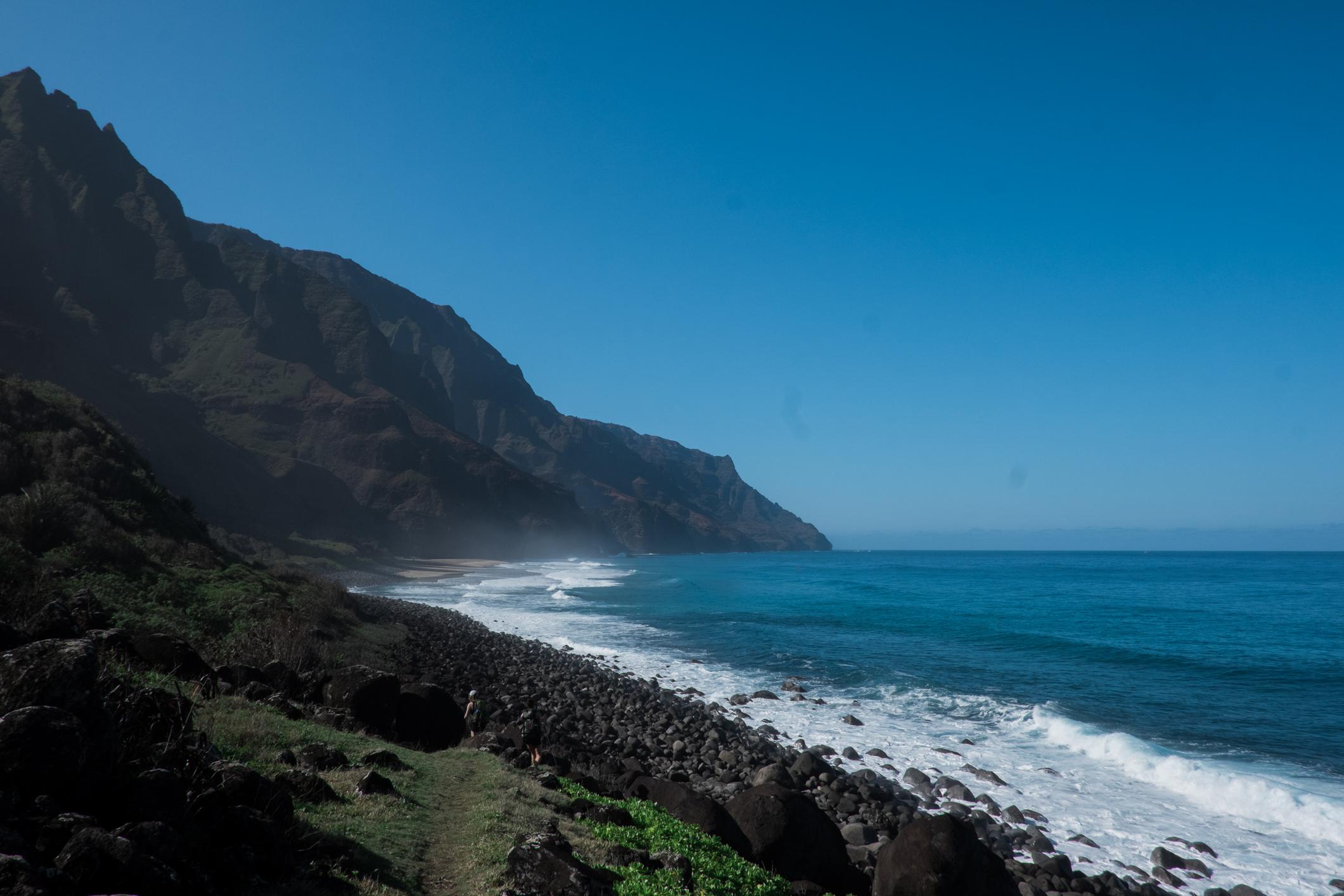 Капаа, Хавай<br /> Това малко известно райско място е сред местата, които се очаква бързо да наберат популярност в следващите години.<br /> <br /> Капаа е малък град, сгушен в основата на планината Нуну на остров Кауай. Разполага с необичайно разнообразние на хотели, търговски центрове и ресторанти. Мястото е популярно и сред любителите на водни спортове, благодарение на възможностите за каяк и водни ски.