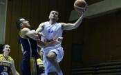 Левски Лукойл продължава с победите