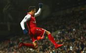 Официално: Санчес е футболист на Юнайтед, Мхитарян подписа с Арсенал