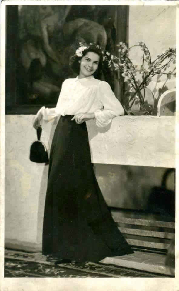 Днес голямата българска актриса навършва 97 години.