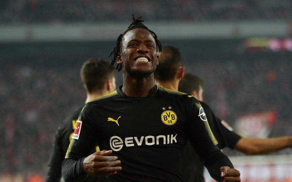 Новият Батман на Дортмунд носи победа с два гола в дебюта си