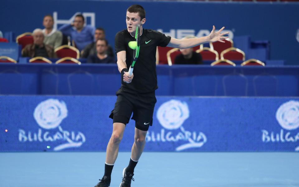 Александър Лазаров би швейцарец за 1/4-финал в Румъния