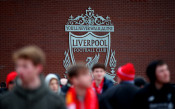 Легенди на Рома размахаха средни пръсти пред логото на Ливърпул