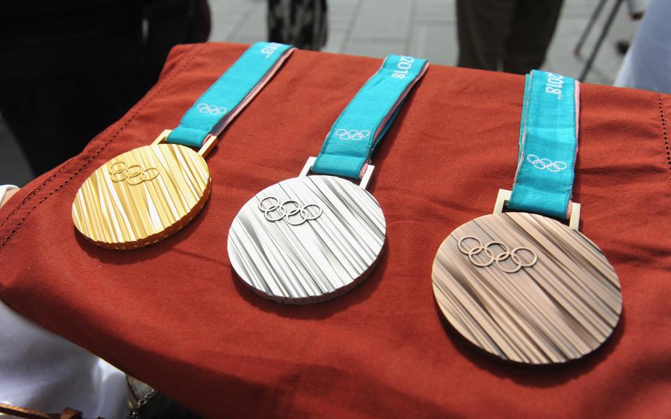 Всички медалисти от неделния ден в Пьонгчанг