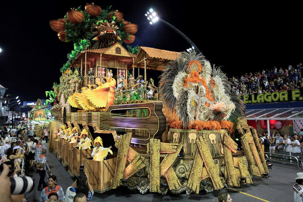 - Ежегодният карнавал се откри официално в бразилския град Рио де Жанейро. Местните власти предвиждат, че той ще привлече над 1,5 млн. туристи и ще...