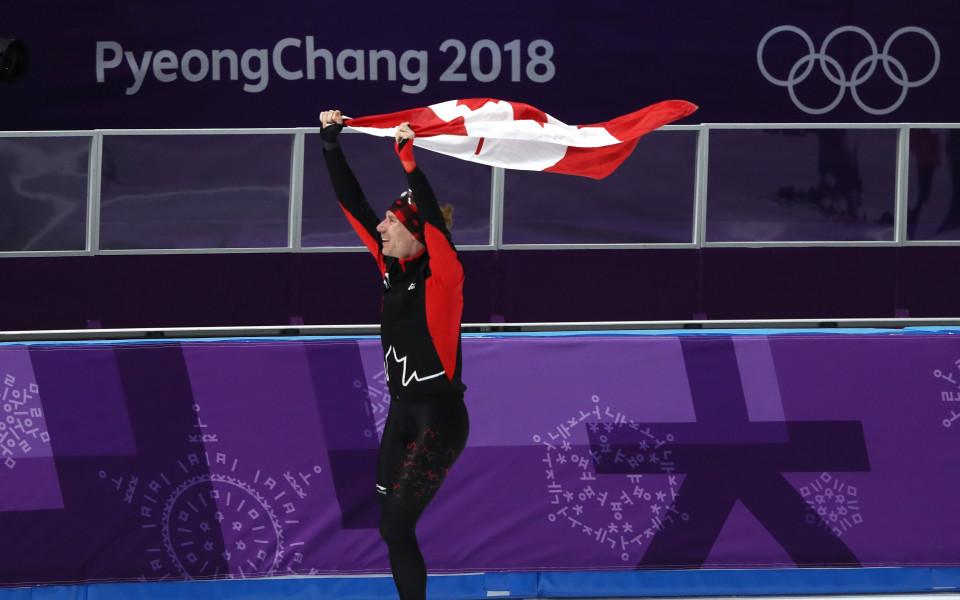 Обвинение в манипулация в кънките, канадец спечели на 10 000 м